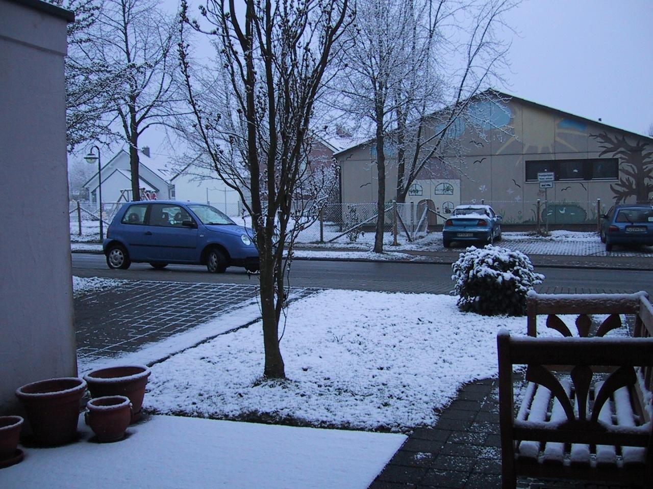 20030411_0739-Unglaublich_-_am_Tag_der_Abreise_schneit_es