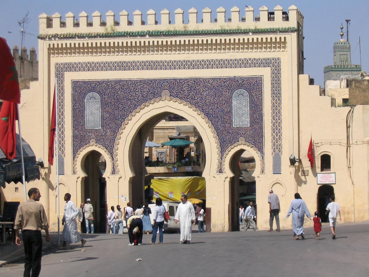 20040529_1644-Eingang_Medina_in_Fes