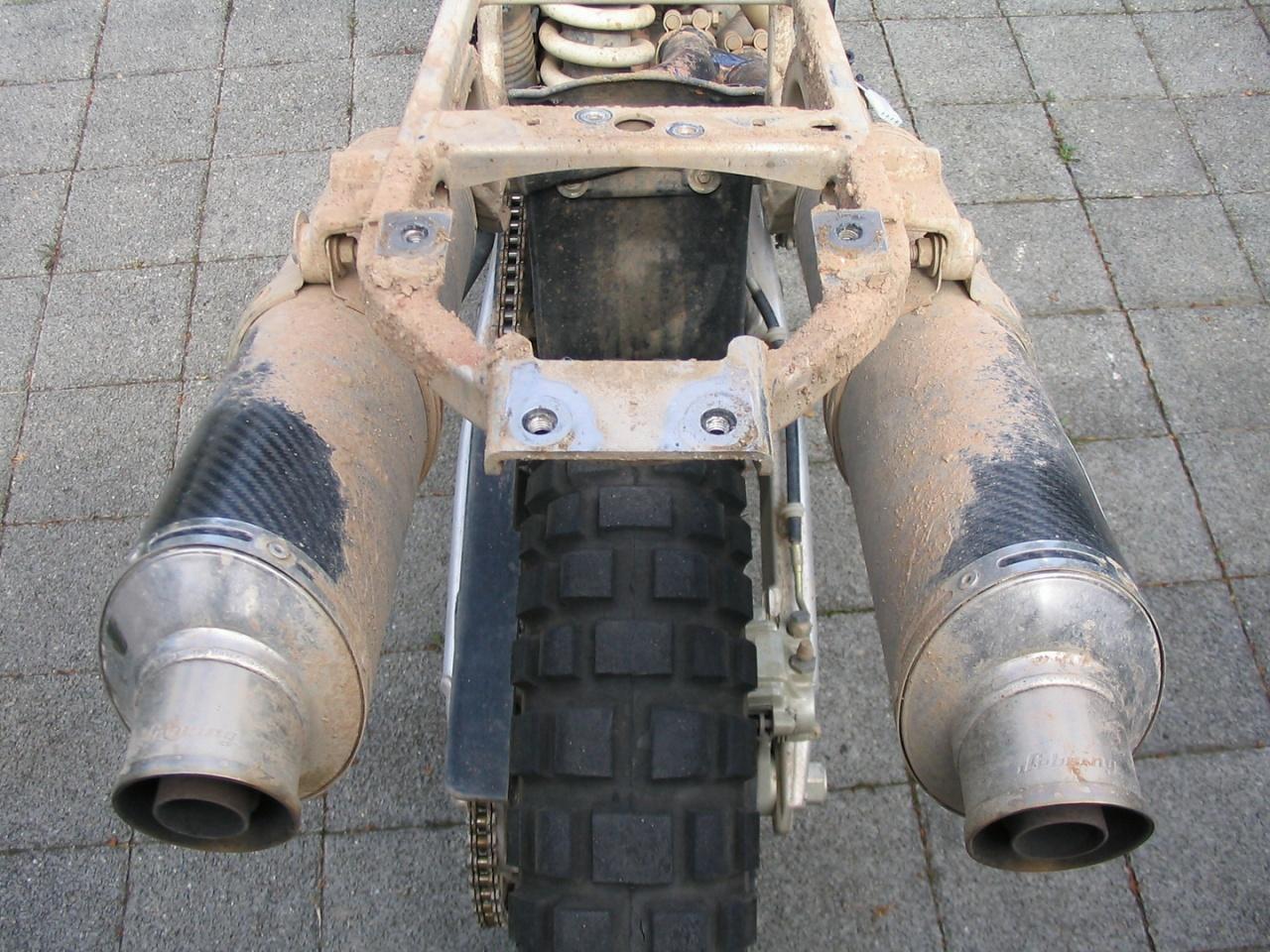 20040602_1034-KTM_wird_geputzt_01